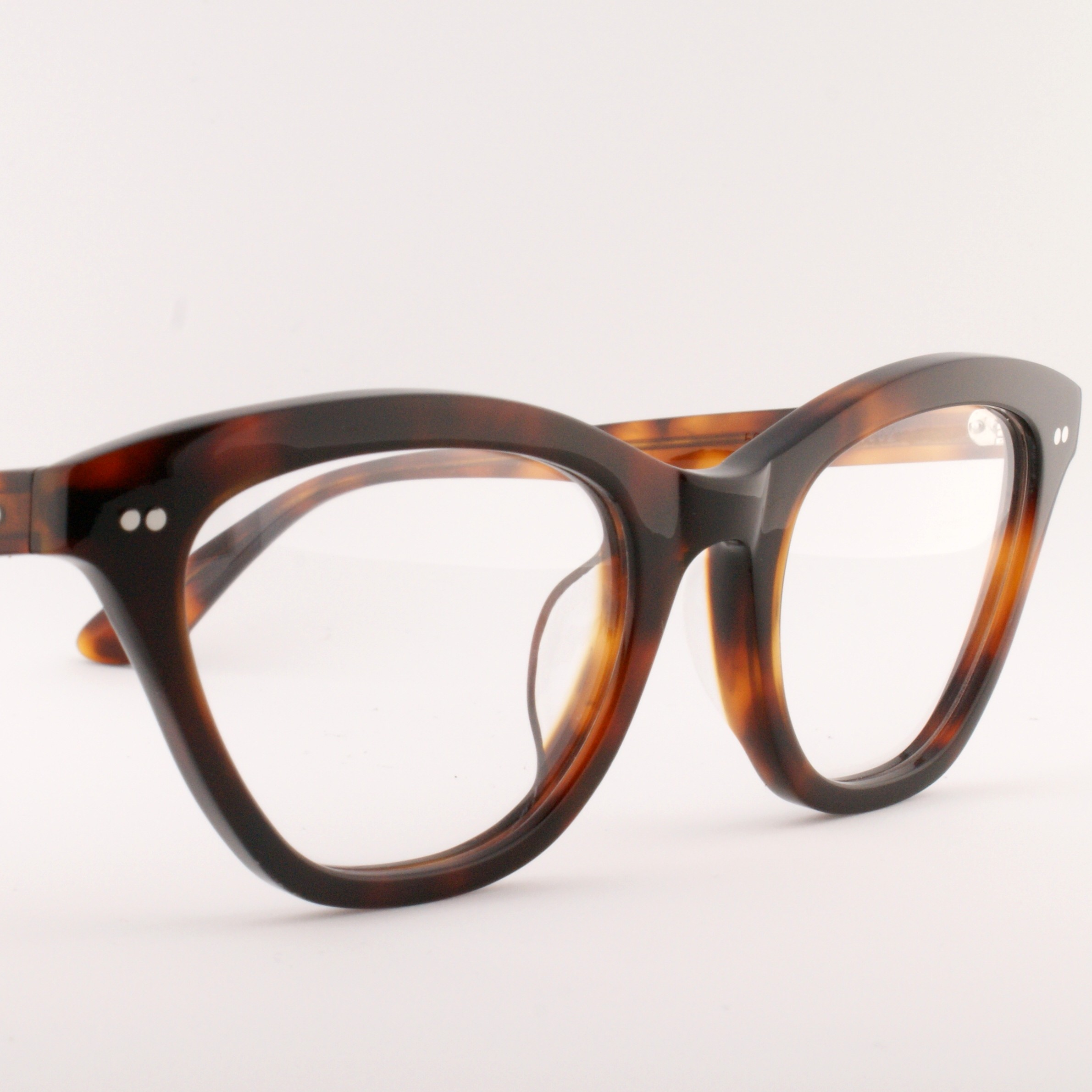 Old Focals | Leading Lady | Tortoise (01)